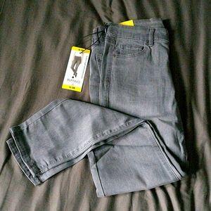 2/$20 NWT grey Buffalo cropped jegging Jeans